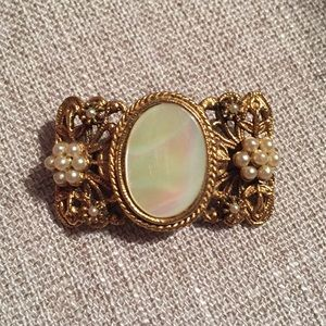 Jewelry - Vintage fashion mother of pearl and pearl brooch
